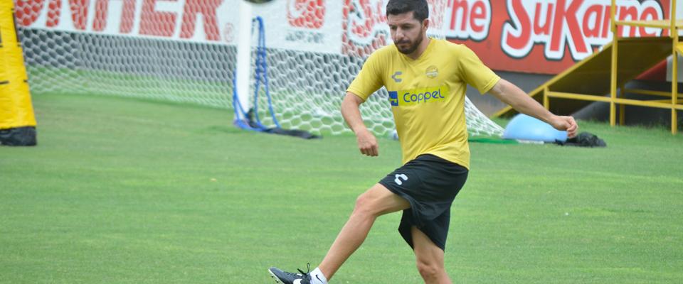 Rojas ingresó de cambio ante Puebla y realizó un gran partido