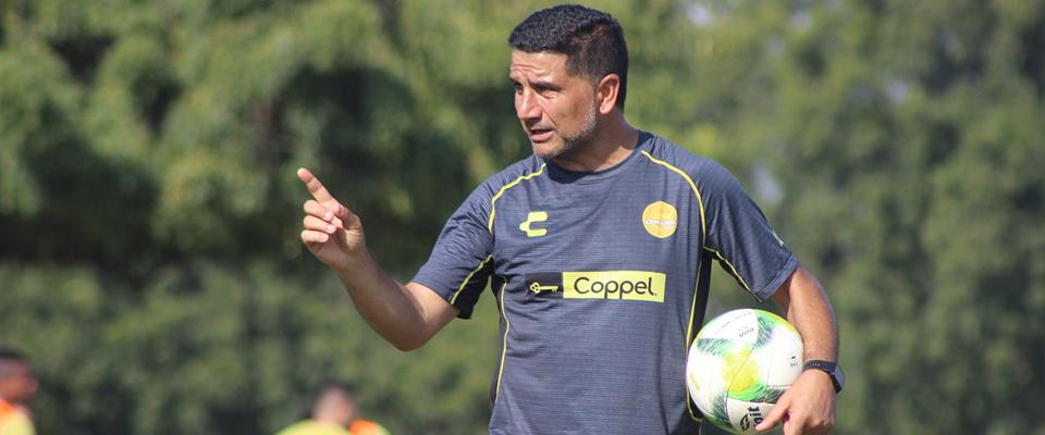 José María Martínez dando indicaciones