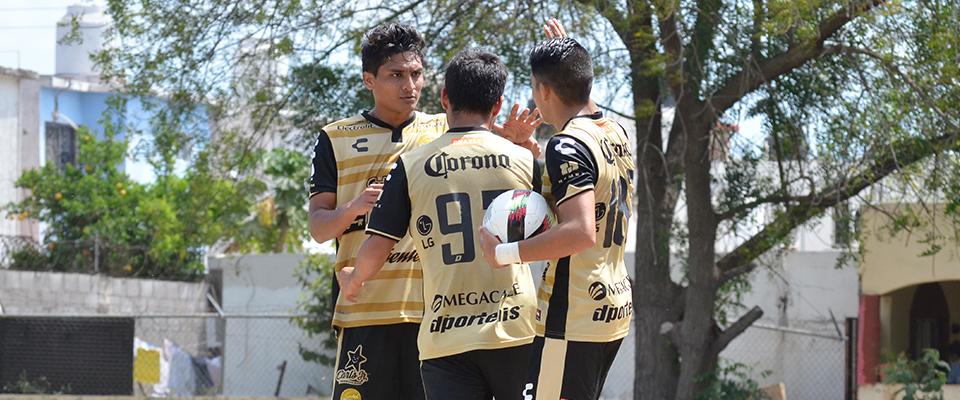Vargas, de Tercera División, festejando la igualada