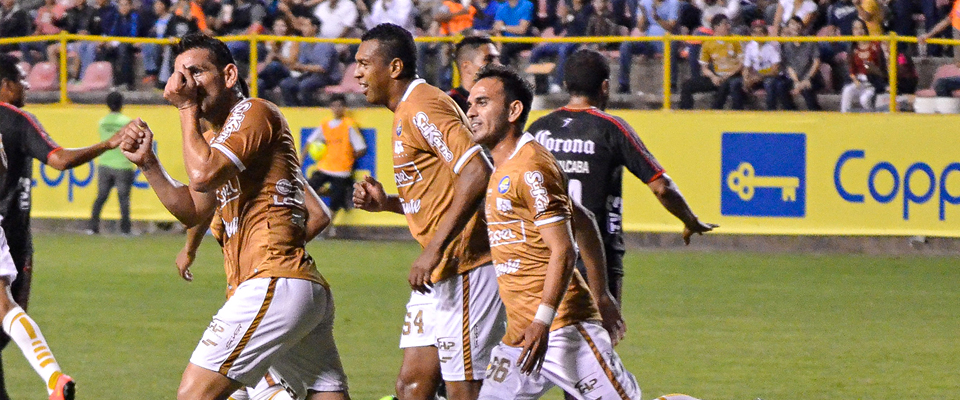 Con 5 anotaciones, Enríquez se alzó con el título de goleo en la Copa