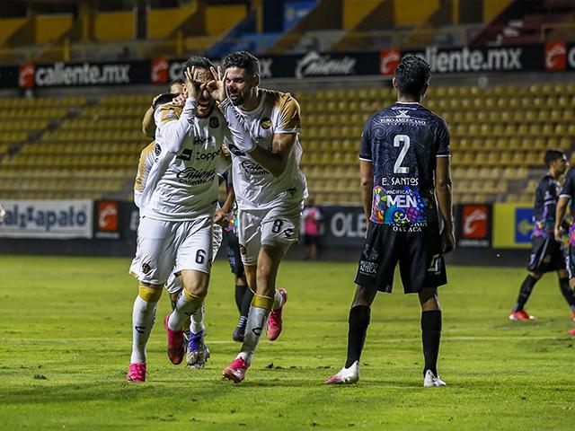Jesús Vázquez anotó el gol del triunfo en La Pecera