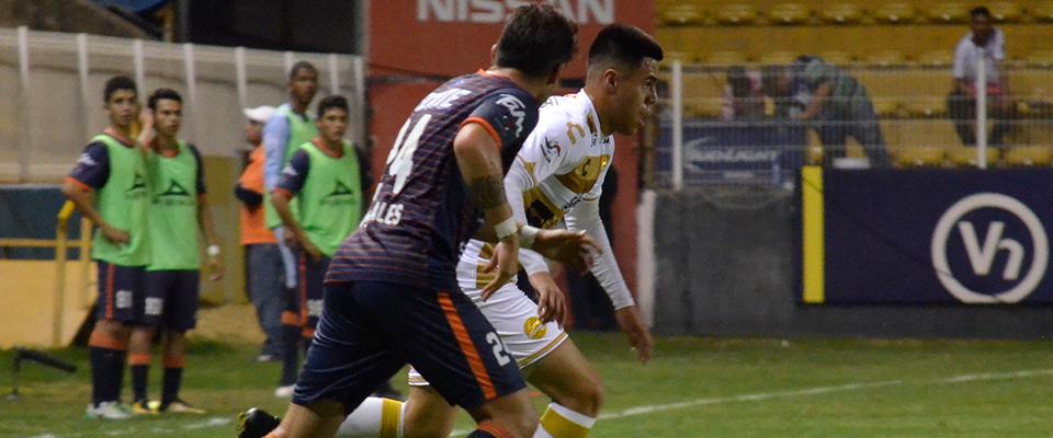 Torres marcó el gol del triunfo ante TM Futbol Club
