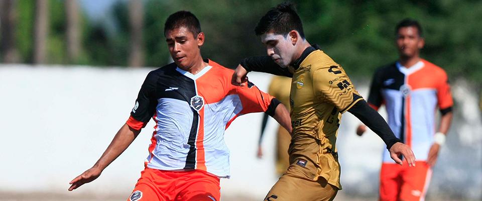 Andrés Guerrero en el encuentro ante Saltillo