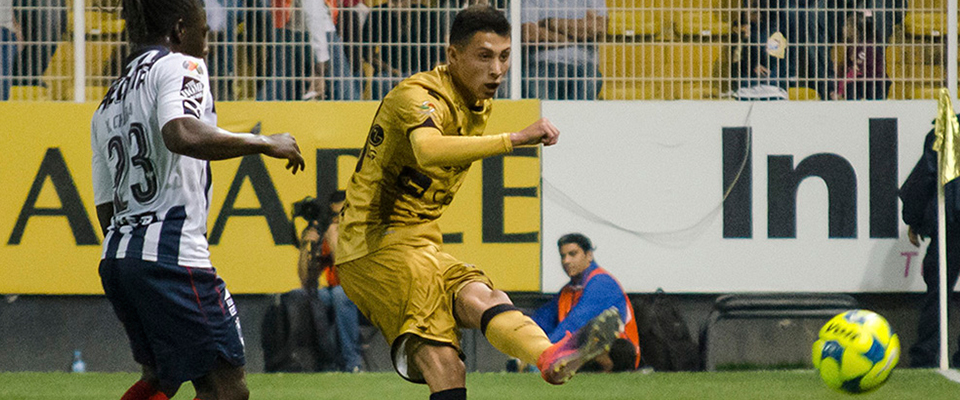 Contreras tuvo participación ante Rayados de Monterrey