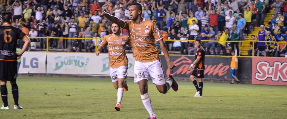 Guillermo Rojas marcó el gol de la victoria para Sinaloa