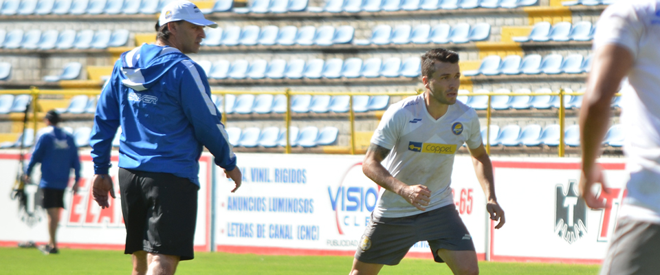 El zaguero reconoció la gran calidad de Bustos pues ya le tocó trabajar con él en Neza FC