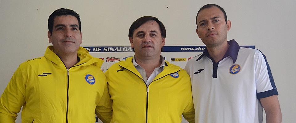 Culminando la presentación, Bustos dirigió su primera práctica como técnico de Sinaloa