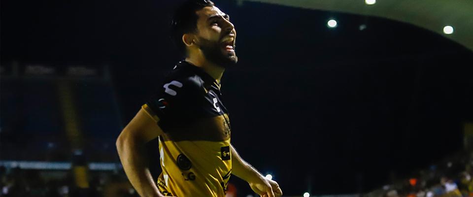 Amaury Escoto anotó en las semifinales
