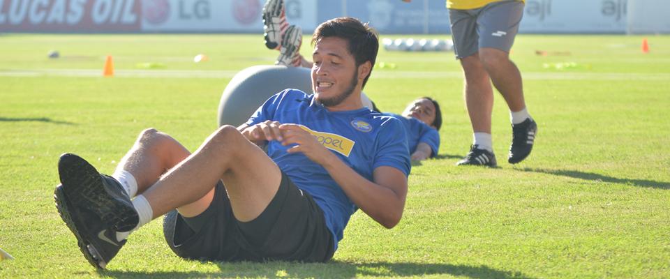 Leonardo Bedolla buscará ganarse un puesto en el once titular para el Clausura 2015