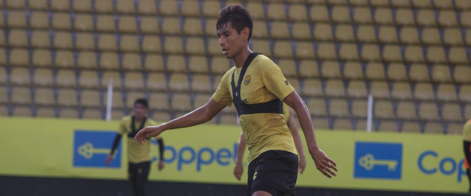 Rubén Monges podría debutar en el futbol azteca