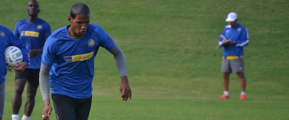 Angulo ya se estrenó como goleador de Dorados en la Copa