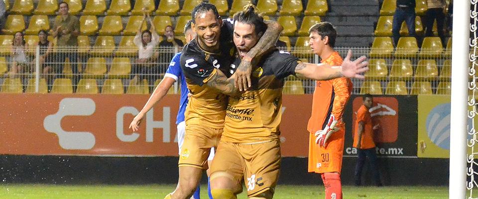 Javi Báez marcó el primero de la noche