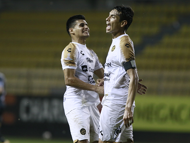 Adolfo Domínguez y Raúl Zúñiga fueron los anotadores del partido